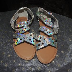 NEW Youth Girls Shoe Size 5 GAP Iridescent Sandals